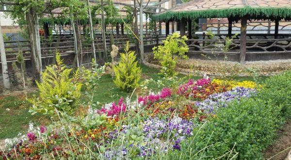 باغ تالار نازگل, باغ عروسی نازگل اصفهان